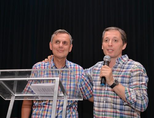 Fernando Gray acompañó a Bernardo Stamateas en presentación de nuevo libro en Monte Grande
