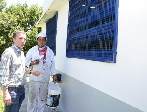 """Fernando Gray supervisó avance de obras en la escuela Nº7 del barrio """"Las Colinas"""""""