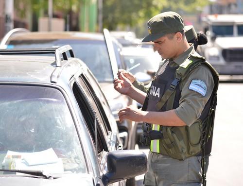 Tránsito y Gendarmería realizan controles de seguridad vial
