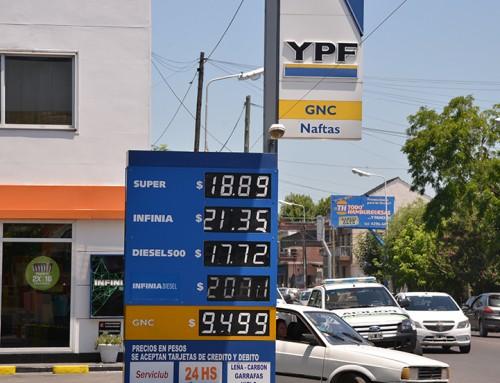 """""""El litro de nafta cuesta más caro en el conurbano que en la ciudad de Buenos Aires"""", afirmó Fernando Gray"""