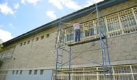 El Municipio de Esteban Echeverría continúa con los trabajos de reconstrucción y puesta en valor de la Escuela Técnica N° 1, del Barrio Monte Chico, en continuidad con el Plan de Refacción de 14 instituciones educativas que lleva adelante el Gobierno Municipal.