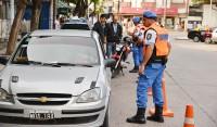 El Municipio de Esteban Echeverría, secuestró 10 vehículos durante los operativos viales que se realizaron el fin de semana en distintos puntos del distrito, en donde además se realizaron 23 actas por diversas infracciones.