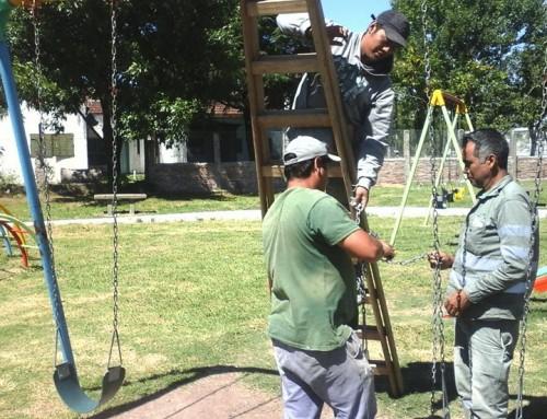 El Municipio renueva plazas en distintas localidades del distrito
