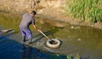Con el objetivo de lograr el correcto cauce del agua y mejorar la calidad de vida de los vecinos, el Municipio de Esteban Echeverría avanza con las tareas de limpieza en el Arroyo Ortega.