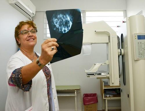Más de un centenar de vecinas realizaron su primera mamografía en el Hospital Santamarina