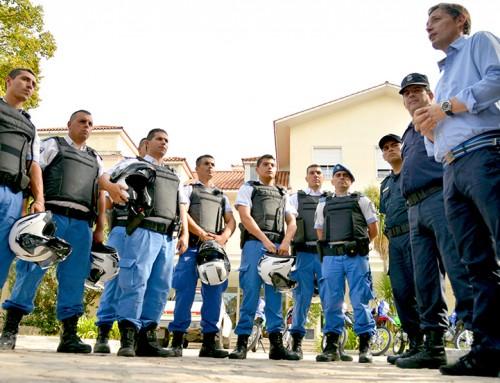 Fernando Gray entregó 20 motos para la Policía Local