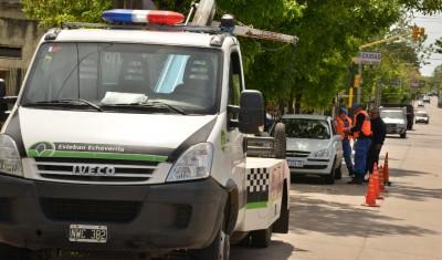 El Municipio de Esteban Echeverría continúa con los operativos de control vehicular en todas las localidades del distrito, que se complementan con controles de nocturnidad y lucha contra la venta ilegal de bebidas alcohólicas.