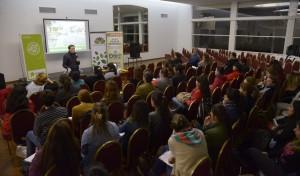 El Intendente de Esteban Echeverría, Dr Fernando Gray, participó de la primera jornada de capacitación docente sobre Escuelas Sustentables y Generación 3 R (Reduce-Reutiliza-Recicla), que se llevó a cabo en el Polo Judicial, ubicado en Güemes 399, Monte Grande.
