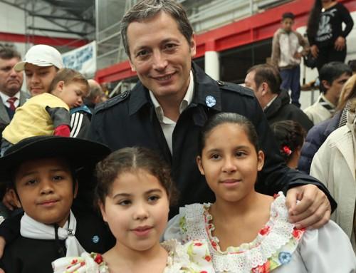 Fernando Gray celebró el día de la patria junto a más de mil vecinos