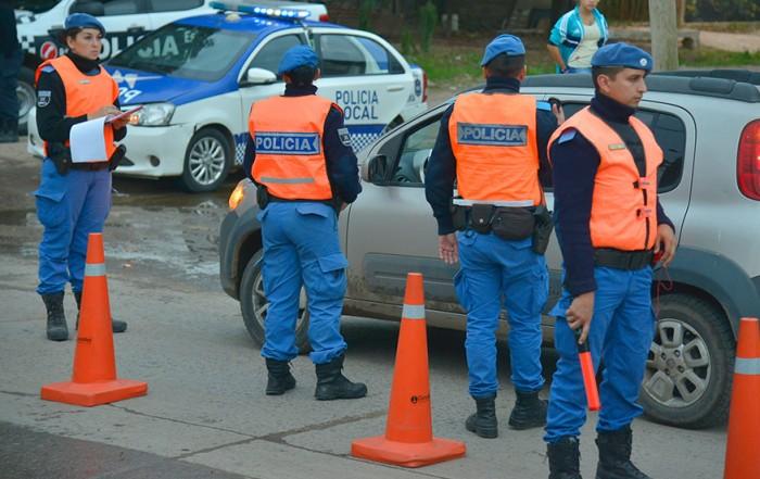 El Municipio de Esteban Echeverría extiende los controles de tránsito en todas las localidades del distrito, en continuidad con los operativos desarrollados durante el fin de semana, a partir de los cuales se labraron 16 actas de infracción.
