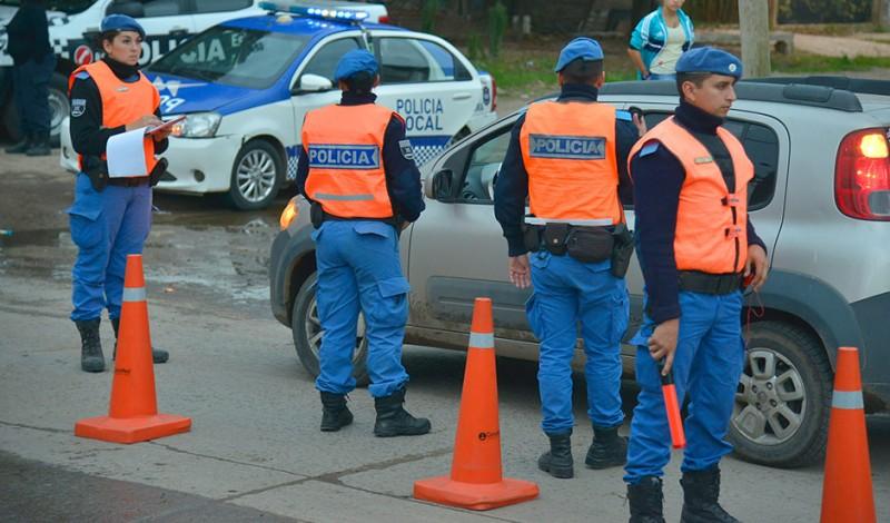 El Municipio de Esteban Echeverría extiende los controles de tránsito en todas las localidades del distrito, en continuidad con los operativos desarrollados durante el fin de semana, a partir de los cuales se labraron actas de infracción.