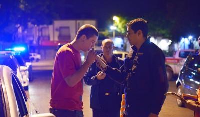 En continuidad con los operativos que se desarrollan todos los días en El Jagüel, Luis Guillón, Monte Grande y Canning, el Municipio de Esteban Echeverría extiende los controles de tránsito en la localidad de 9 de Abril.