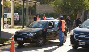 El Municipio de Esteban Echeverría desarrolla operativos de tránsito en puntos estratégicos del distrito, en continuidad con las recorridas que realizan las grúas municipales para verificar el correcto estacionamiento de los vehículos.