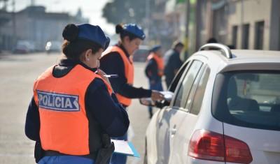 El Municipio de Esteban Echeverría continúa con los operativos de control de tránsito en distintos puntos del distrito, a partir de los cuales se secuestran 15 vehículos por semana, por infracciones contra la seguridad vial.