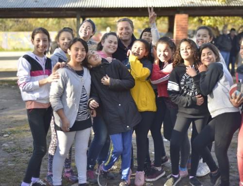 Fernando Gray recorrió las instalaciones de la Escuela Primaria 10 en 9 de Abril