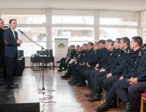 Fernando Gray entregó equipamiento  integral  para las fuerzas de seguridad