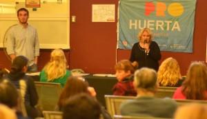 Más de 50 vecinos participaron del primer encuentro del Taller de Huerta Orgánica, organizado por el Municipio de Esteban Echeverría, que se llevó a cabo en el SUM de Desarrollo Social, ubicado en Sofía Terrero de Santamarina 464, Monte Grande.