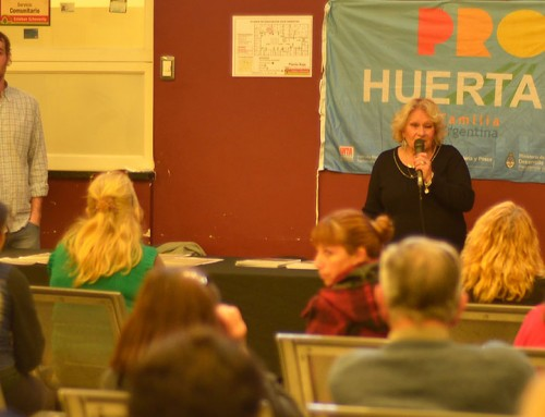 Más de 50 vecinos participaron del taller de huerta orgánica