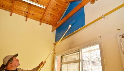 El Municipio de Esteban Echeverría avanza con las obras de refacción en los jardines de infantes 915, en Luis Guillón, y 917, en El Jagüel, en continuidad con el Plan Integral de Refacción de Instituciones Educativas, que se ejecuta en diez establecimientos de todo el distrito.