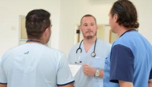 Nuevos profesionales se incorporaron al personal médico del Hospital Santamarina, y de este modo, quedaron completos la mayoría de los planteles médicos básicos de guardia del Policlínico, que durante mayo atendió a más de 11.700 vecinos de todo el distrito.