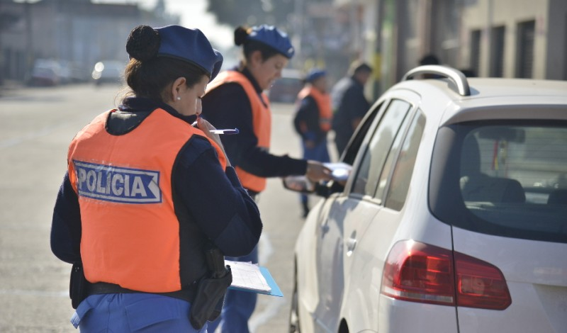 Como todos los días, el Municipio de Esteban Echeverría realiza operativos de control vial en Ruta 52 y Lacarra (Canning); Madariaga y L. de la Torre (Luis Guillón); Ruta 205 y Evita, Edison y Cabildo, y R. Santamarina y P. Suarez (El Jagüel).