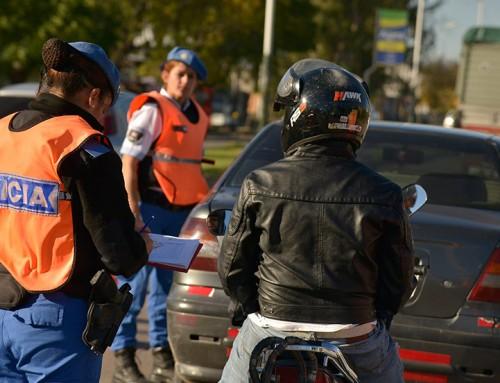 Operativos de tránsito en El Jagüel y Luis Guillón