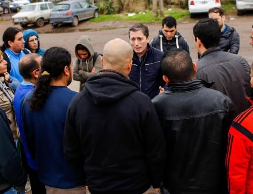 Fernando Gray se reunió con trabajadores de planta de Adidas