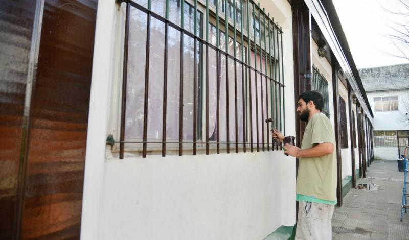 En continuidad con el Plan de Refacción de más de 40 instituciones educativas, el Municipio de Esteban Echeverría avanza con las obras en la Escuela Primaria 14, ubicada en Boulevard Buenos Aires 690, Monte Grande.