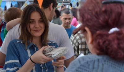 Durante el primer día de la Expo Echeverría, más de 3 mil echeverrianos disfrutaron de las distintas actividades gastronómicas, artísticas, musicales y deportivas que ofrece esta importante exposición, que se lleva adelante en Campo Amat, en General Alvear 731, durante todo el fin de semana, de 15 a 21.