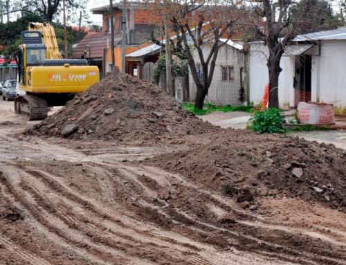 El municipio comenzó nueva obra hídrica en Monte Grande y Luis Guillón