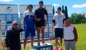 Los atletas Agustina Sánchez y Alan Escalante, representantes del Municipio de Esteban Echeverría, lograron cinco medallas de oro en el Campeonato Argentino de Atletismo Adaptado, que se disputó en la ciudad de Pergamino.
