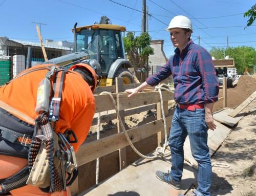 Fernando Gray recorrió  nueva obra  de cloacas que beneficiará a más de 20 mil vecinos