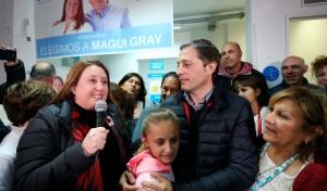 """El intendente de Esteban Echeverría, Fernando Gray, agradeció a los vecinos por """"la confianza y el apoyo para seguir transformando el distrito"""", tras la victoria que obtuvo su esposa y concejal electa por Unidad Ciudadana, Magui Gray, que superó el 43 por ciento de los votos."""