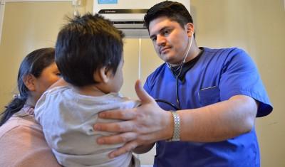 El Municipio de Esteban Echeverría realiza, todas las semanas, controles de salud en las cinco localidades del distrito, a partir de los cuales, en septiembre, fueron atendidos 4304 vecinos y se impartieron 1765 dosis de vacunas.