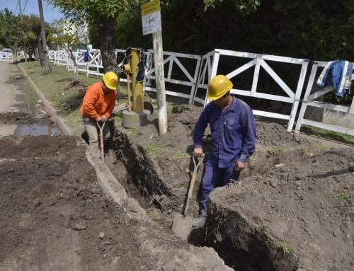 Continúa obra de cloacas que beneficiará a más de 8 mil vecinos