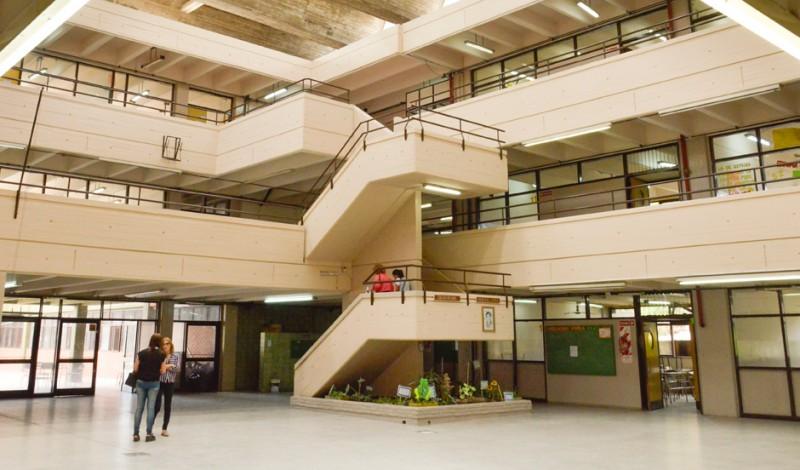 """El Municipio de Esteban Echeverría finalizó las obras de refacción en las Escuelas Secundarias N° 12 y N° 14 """"Saavedra Muñiz"""", ubicadas en Nuestras Malvinas 850, Monte Grande."""