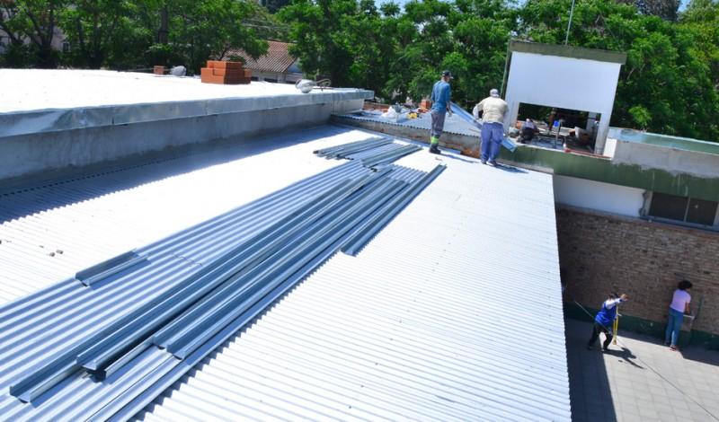 El Municipio de Esteban Echeverría remodela la Escuela Primaria N° 31, ubicada en Salta y Liniers, Monte Grande, en el marco del Plan Integral de Refacción de 68 Instituciones Educativas.