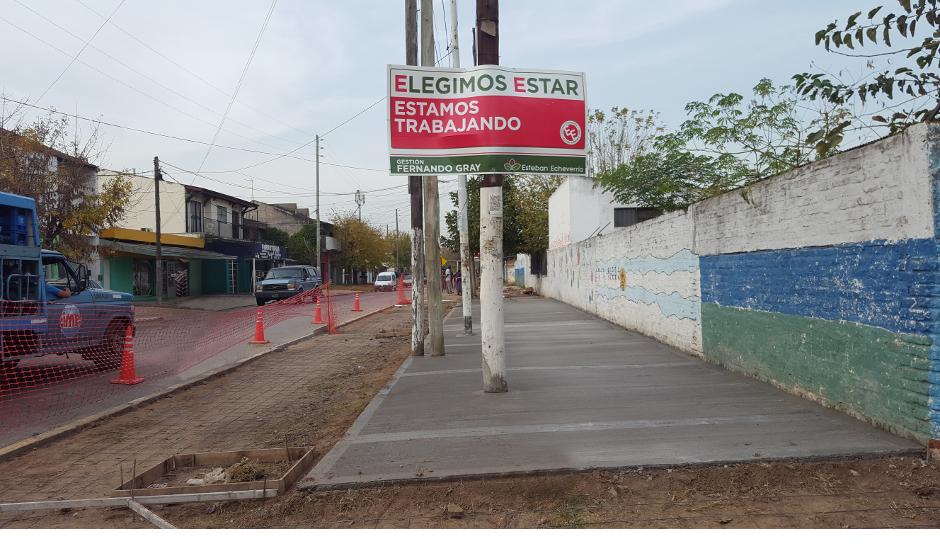 Nuevas veredas en la escuela primaria 41 en Monte Grande