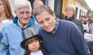 El Intendente de Esteban Echeverría, Fernando Gray, recorrió las instalaciones de la Escuela Primaria Nº 39, en Monte Grande, institución a la que asisten más de 700 chicos de todo Esteban Echeverría.