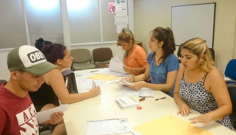 A partir del lunes 19, y hasta el 29 de junio, de 17 a 20, el Municipio de Esteban Echeverría realizará la pre-inscripción al Plan de Finalización de Estudios Secundarios (FinEs), en la Secretaría Desarrollo Social, ubicada en S.T Santamarina 464, Monte Grande.