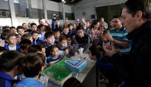 El Intendente de Esteban Echeverría, Fernando Gray, participó hoy del 30° aniversario de Colegio Fútbol Club, institución a la que asisten más de 200 chicos, de 4 a 14 años.