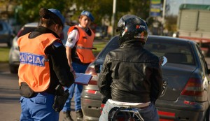 El Municipio de Esteban Echeverría continúa con los operativos de tránsito, que se realizan en forma conjunta con la Policía Local y Gendarmería Nacional, en distintos puntos del distrito.
