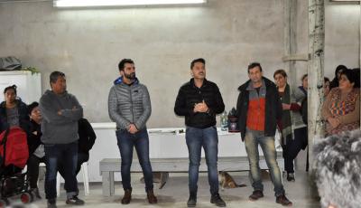 El Municipio de Esteban Echeverría realizó reuniones con vecinos del barrio El Gauchito Gil de 9 de Abril, en donde se informó sobre el avance de la subdivisión de sus lotes, en función de garantizar la vivienda propia de los habitantes del distrito.