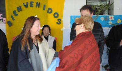 La precandidata a Concejal por Unidad Ciudadana, Magui Gray, participó hoy de la inauguración de nueva aula de estudios en la Escuela Secundaria Básica Nº 23 de Monte grande, que mejorará la calidad educativa de los alumnos de 6º grado.