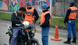 En continuidad con los operativos de control vehicular, agentes del Municipio de Esteban Echeverría, junto a Policía Local y Gendarmería Nacional, labraron 39 actas de infracción y secuestraron 7 vehículos durante el pasado fin de semana.