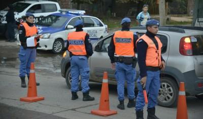 El Municipio de Esteban Echeverría realiza controles de tránsito durante el día de hoy en Colón y Battipede, R. Santamarina y Battipede, y N. Malvinas y F. De Toro, en Monte Grande; y en Cervetti y M. Paz, en El Jagüel.