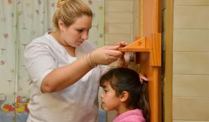 El Municipio de Esteban Echeverría realiza, todas las semanas, controles de salud en las cinco localidades del distrito, a partir de los cuales, en agosto, fueron atendidos 2746 vecinos y se impartieron 976 dosis de vacunas.
