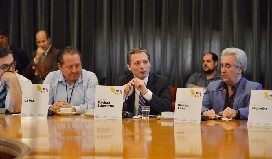 Fernando Gray participa en cumbre de Mercociudades