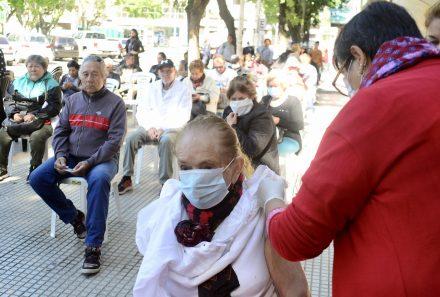 CONTINÚA LA CAMPAÑA DE VACUNACIÓN A ADULTOS MAYORES