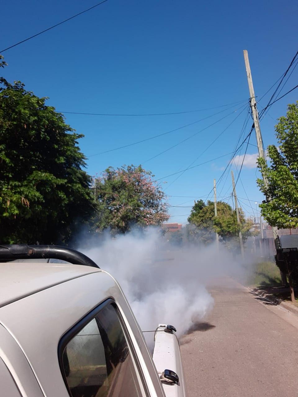 OPERATIVOS DE FUMIGACIÓN EN MONTE GRANDE Y LUIS GUILLÓN